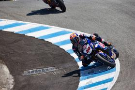Pata Yamaha Battle Extreme Heat & Grip Issues in Race 1 at Laguna Seca