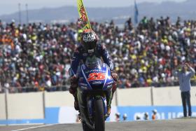 Vinales takes a hard fought 4th place in Aragon