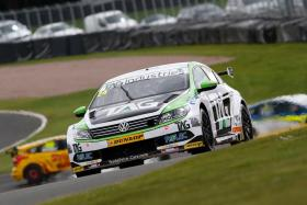 HIll in the mix in Knockhill BTCC qualifying