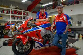 Honda Racing recruit Lee Johnston and Ian Hutchinson for the 2018 road racing season.