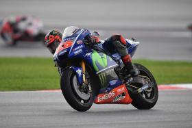 Movistar Yamaha Teammates Secure Second Row Start in Sepang