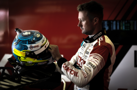 Technical woes plague Gordon Shedden at the Slovakiaring