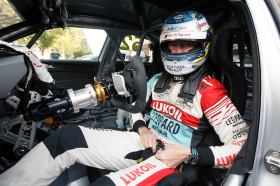 Pole and points for Gordon Shedden in packed Portuguese race